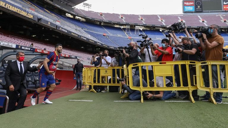 Aguero donned the famous blue and red kit for the first time as he walked out on to the Nou Camp pitch